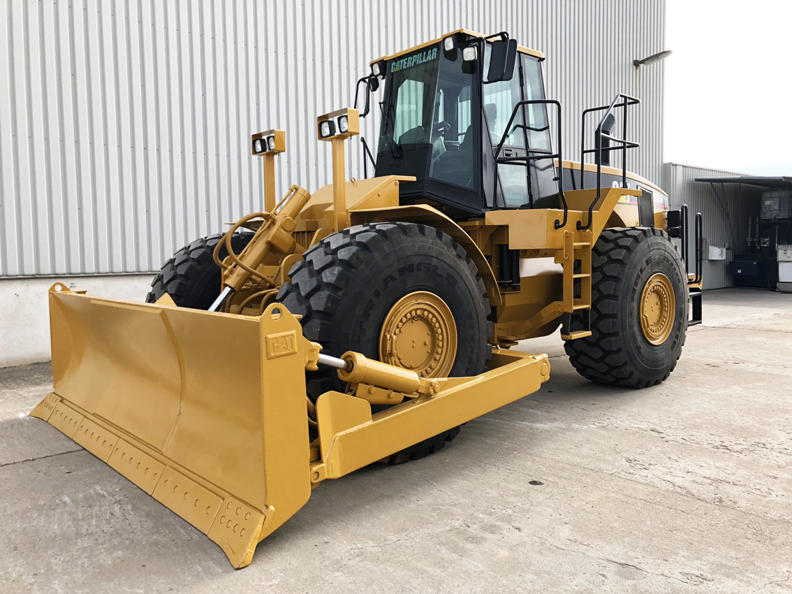 Caterpillar 824G Wheel Dozer SN 0422 Image